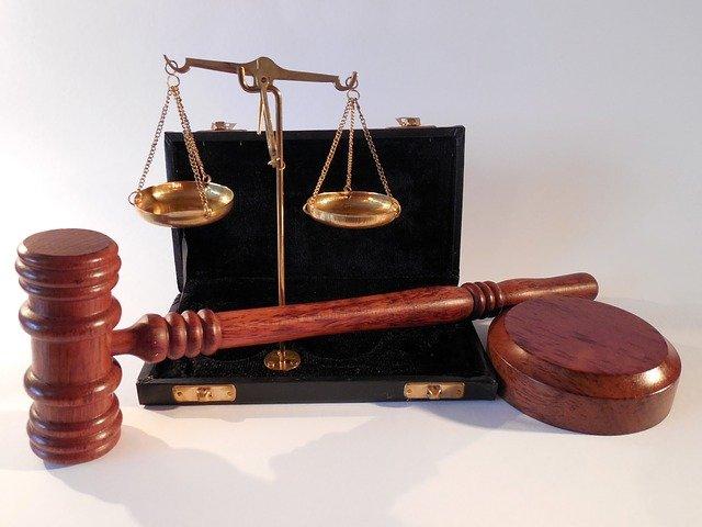 W czym zdoła nam pomóc radca prawny? W których rozprawach i w jakich kompetencjach prawa wspomoże nam radca prawny?